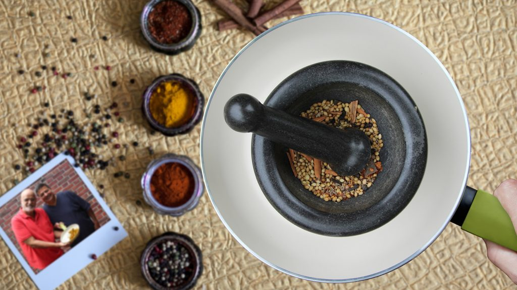 frisches Garam Masala fürs Chicken Curry