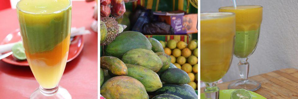 Fruchtshake mit Avocado zum Löffeln